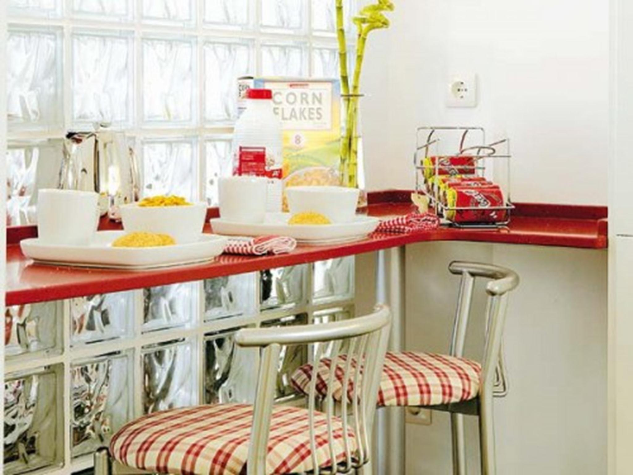small-tables-for-breakfast-7-500x375 (1) (Copy)