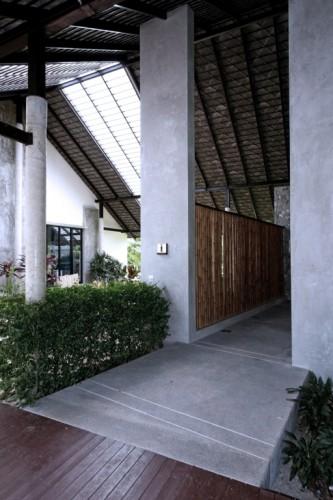 50e74c9eb3fc4b10a3000174_phuket-gateway-idin-architects_15_512x768