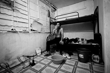 Căn hộ tại tòa nhà công nghiệp Tai Kok Tsui - Photographer: Brian Ching
