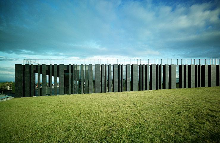 Giant's Causeway Visitors' Centre, Antrim, Northern Ireland, bởi Heneghan Peng