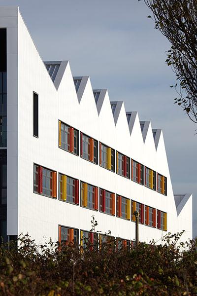 Kingswood Academy, Bransholme, Kingston upon Hull, bởi AHMM