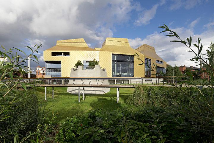 The Hive, Worcester, bởi Feilden Clegg Bradley Studios