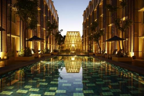 51dcbdede8e44e369e00004b_ananta-legian-hotel-airmas-asri_anantalegian372r_swimming_pool