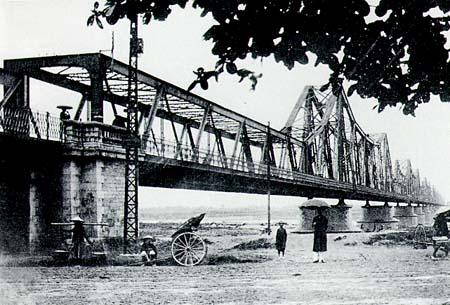 Cầu Long Biên Xưa