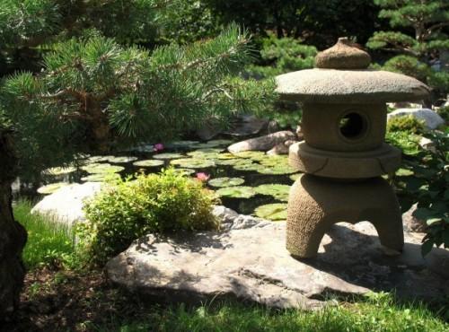 japanese-garden-lantern-24-600x445