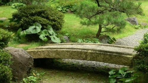 japanese-garden-stone-bridge-18-600x337