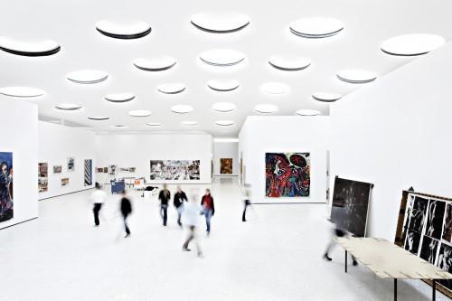 5037d39728ba0d543000004d_st-del-museum-schneider-schumacher_-schneider_schumacher_kirsten_bucher_staedel_interior_02