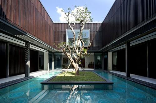 Sân trong của Centennial Tree House (Singapore) thiết kế bởi Wallflower Architecture + Design - Phong cách nuột nà của các KTS Singapore