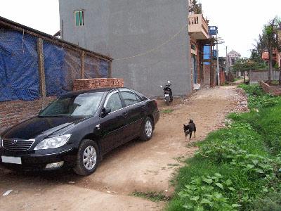 Chiếc ô tô này được mua từ tiền bán đất ruộng  ở nông thôn An Khánh, Hà Tây Ảnh nguồn: Hanoi Data