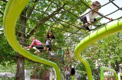schulberg-wiesbaden-playground-annabau1