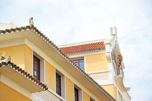 Chi tiết ngoại thất ở ngôi nhà Đông Dương mang nét Á Đông quen thuộc.
