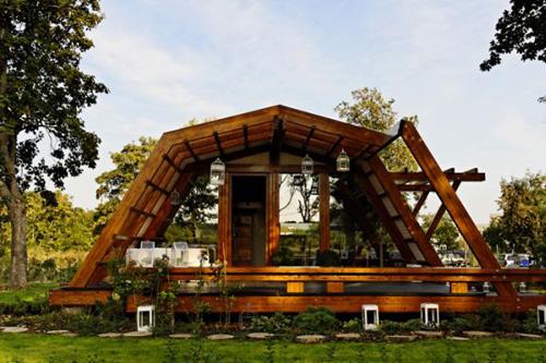 Ngôi nhà rất linh hoạt, thân thiện với môi trường, có giá thành phải chăng và mức tiêu thụ năng lượng thấp.