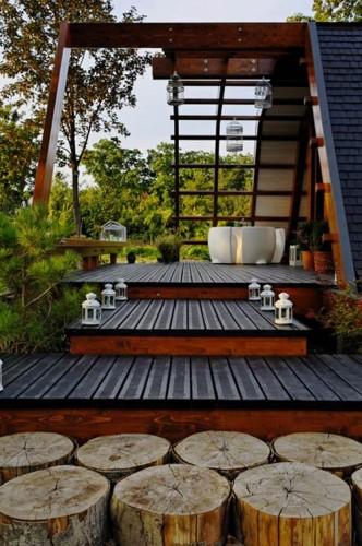 Thiết kế đẹp mắt, sử dụng vật liệu tự nhiên có sẵn, chủ yếu là gỗ.