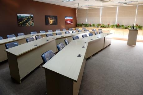 Phòng hội nghị cỡ nhỏ .
