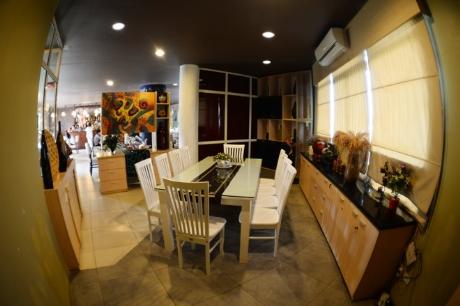 Hệ thống nhà hàng và quán cafe .