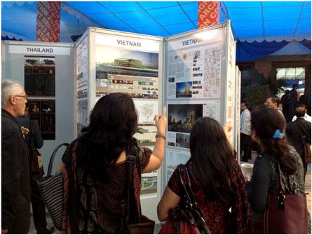 Khu vực triển lãm hai đồ án của SV Việt Nam lọt vào vòng khu vực ARCASIA: Đồ án của SV. Đinh Bá Minh Vương – trường ĐH Phương Đông HN và SV. Huỳnh Xuân Thi – trường ĐH Văn Lang TPHCM.
