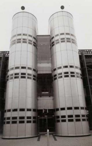 Tòa nhà Financial Time ở London, Anh (1988- KTS. Nicolas Grimshaw)
