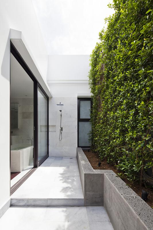 54178619c07a80e38f000049_thao-dien-house-mm-architects_0558 (Copy)