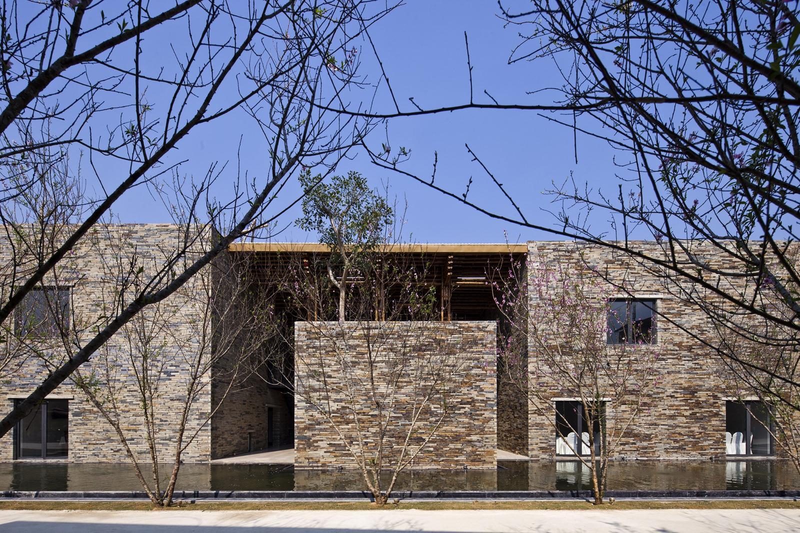 Nhà hàng Sơn La / Vo Trong Nghia Architects