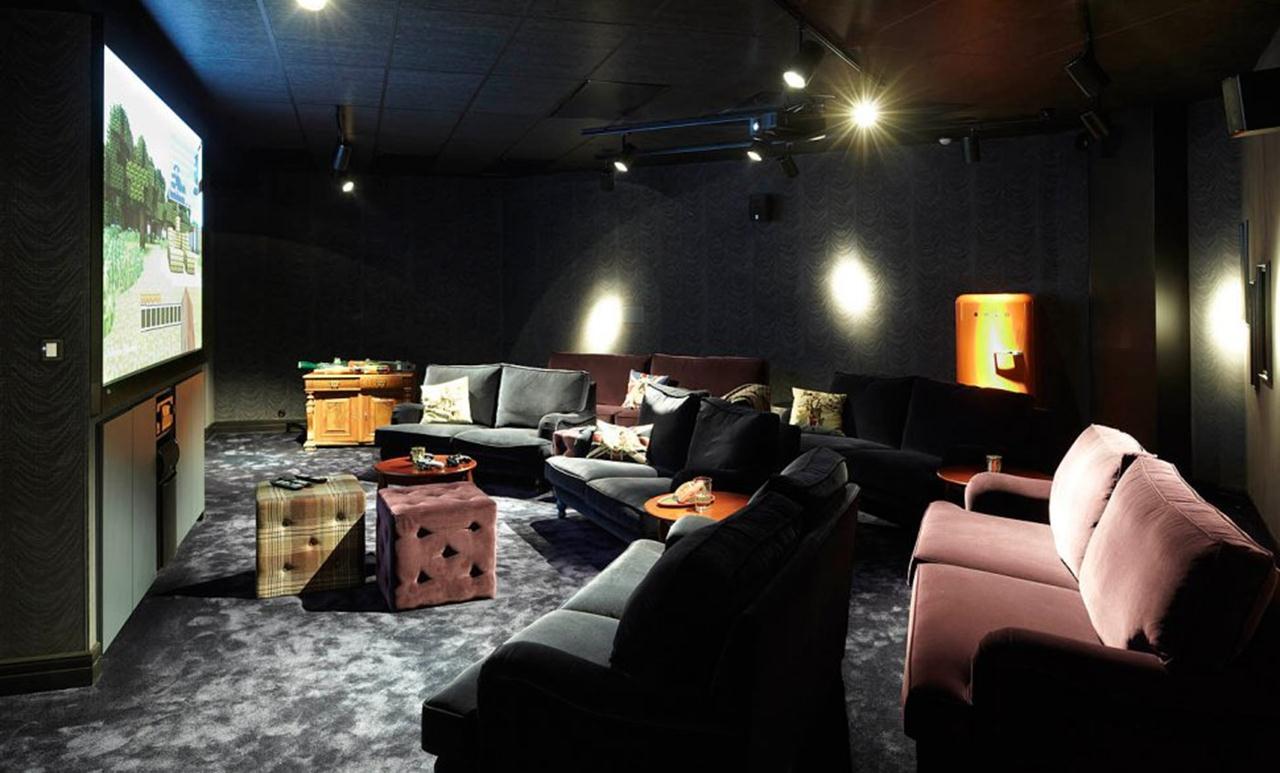 456mojang-lounge228663 (Copy)