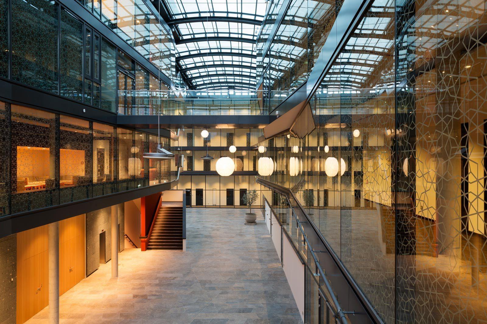 52689dcee8e44e88a00003c0_turkish-embassy-in-berlin-nsh-architekten_felipe_schmidt_09