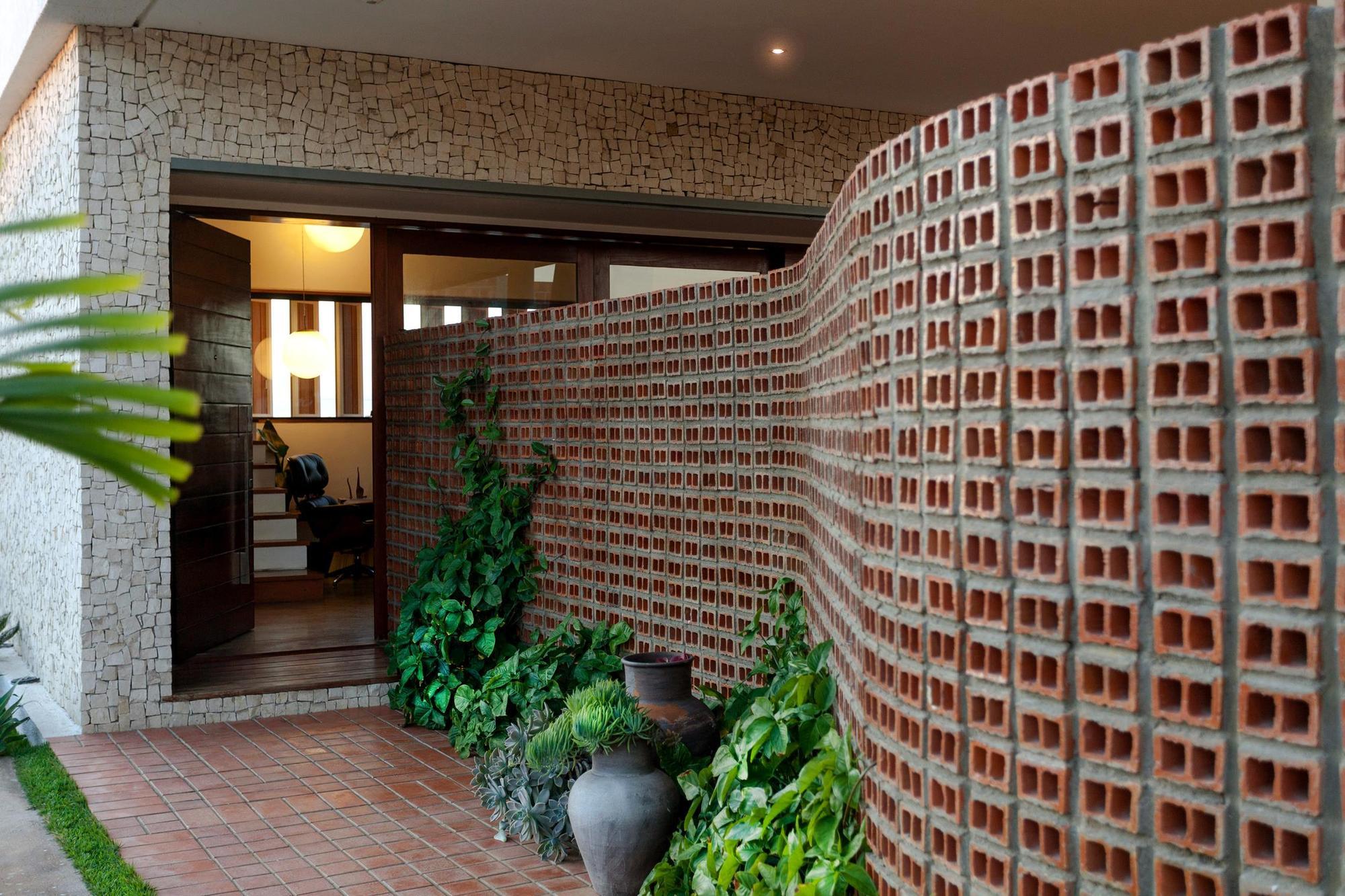 5448473de58eceb567000184_architect-s-house-jirau-arquitetura__mg_9110