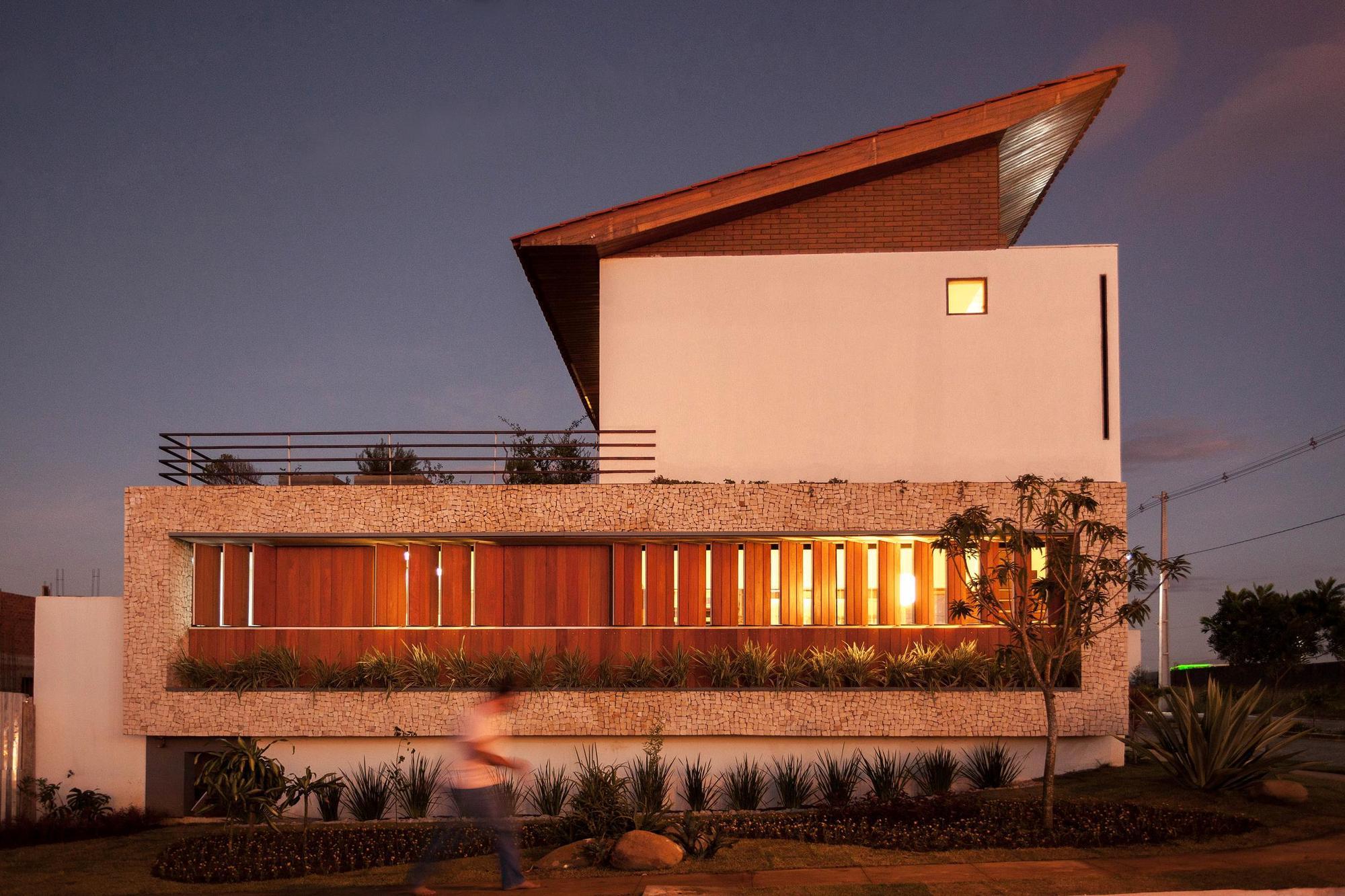 544847a1e58ece9997000190_architect-s-house-jirau-arquitetura__mg_9139