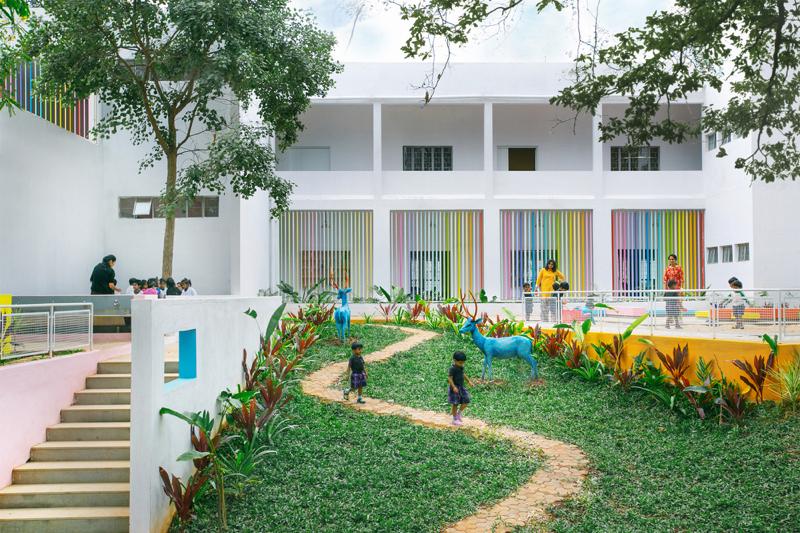 54bf1306e58ece5637000177_ekya-early-years-kanakapura-road-collectiveproject_ekya_rear_garden_and_playground_resize