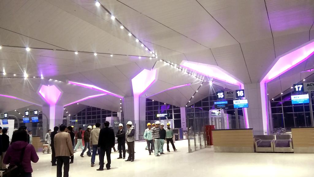 Công trình do nhà thầu CPG-PAE (Liên danh tư vấn chuyên ngành sân bay của Singapore và Mỹ) thiết kế