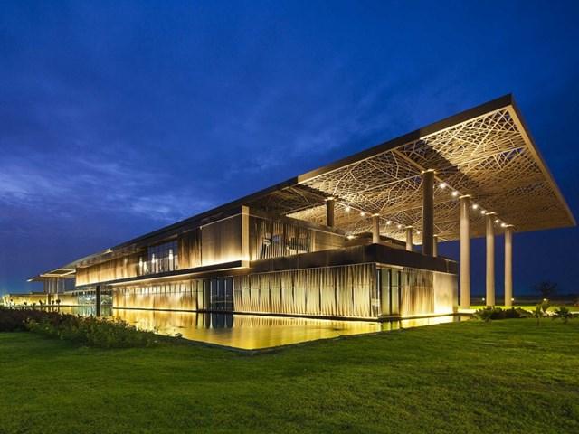 Dakar Congress Centre, Dakar, Senegal thiết kế bởi kiến trúc sư Tabanlioglu và phát triển bởi Summa Construction nhận đề cử giải thưởng đặc biệt của ban giám khảo.