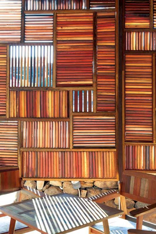 Các công trình của KTS Nguyễn Hòa Hiệp đều hướng đến sự tối giản, thân thiện với thiên nhiên. Chính vì vậy các công trình do anh và các cộng sự thực hiện đều để lại những dấu ấn như Trung tâm hội nghị GEM, cafe Salvagel Ring, The Nest, The Chapel, I resort, Lam cafe, 9 spa...