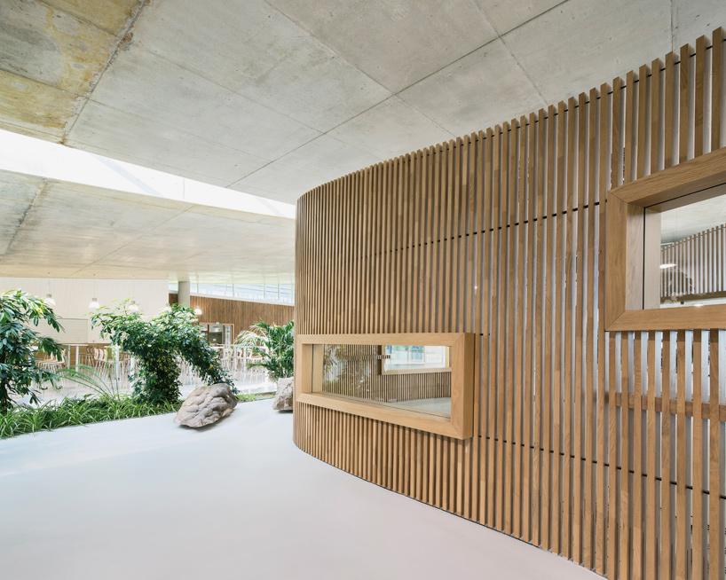 jean-philippe-pargade-technical-and-scientific-centre-of-paris-concrete-hill-designboom-07