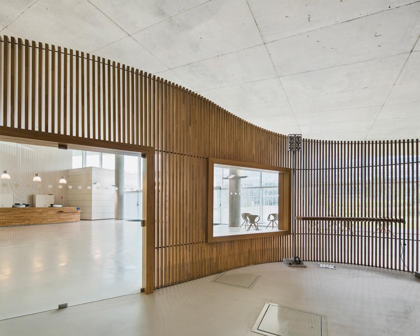 jean-philippe-pargade-technical-and-scientific-centre-of-paris-concrete-hill-designboom-08