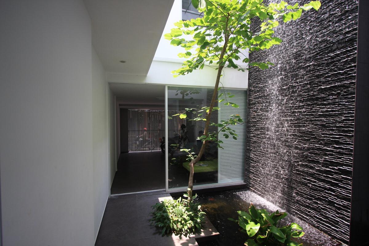 Nhà vườn treo ở Quận 11, TP Hồ Chí Minh. Ảnh (c) Nguyễn Bá Đức