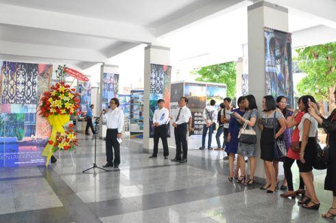 PGS.TS. KTS Trịnh Duy Anh - Trưởng Ban tổ chức triển lãm phát biểu tại Lễ khai mạc
