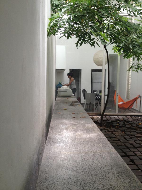 Ảnh chụp những khoảng lặng giữa trưa hè nhà ở Gò Vấp , TP Hồ Chí Minh. Ảnh (C) Nguyễn Bá Đức