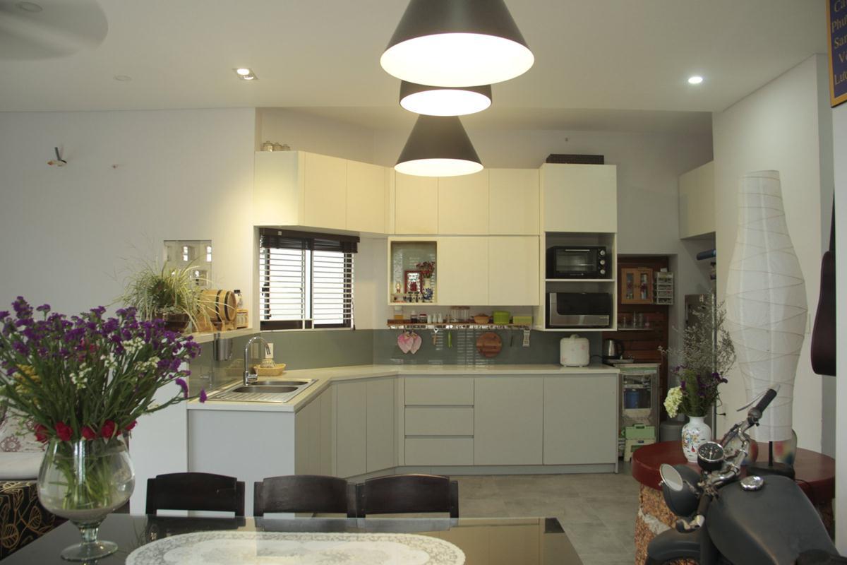 Phòng ăn liên thông với khu bếp ©khuestelo