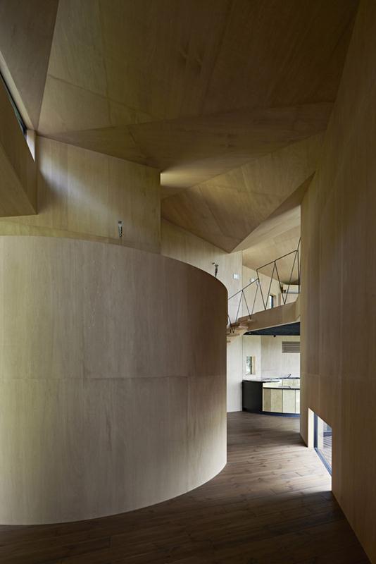 54d58215e58ece147000009c_villa-escargot-takeshi-hirobe-architects_villaescargot_17 (Copy)
