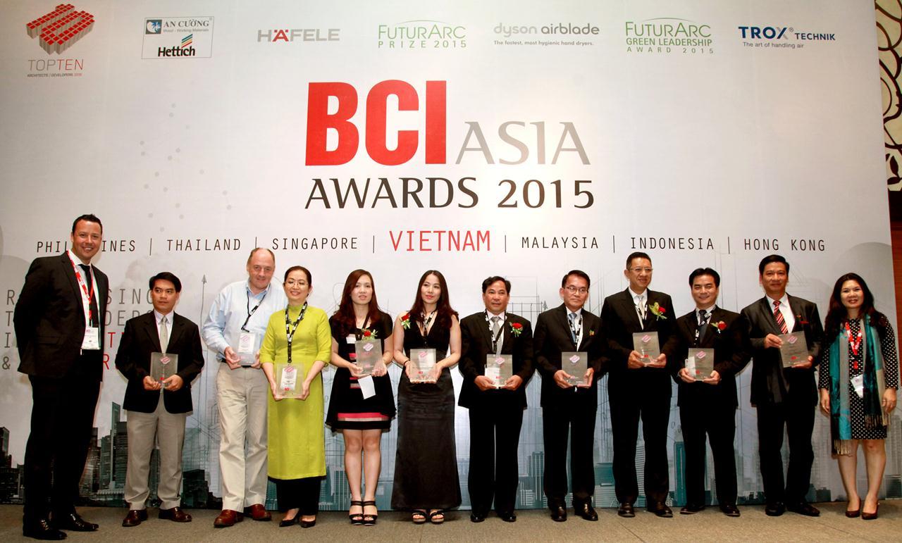 Hình ảnh Giám đốc ARDOR Architects tại buổi lễ trao giải thưởng BCI Asia 2015, 22.05.2015