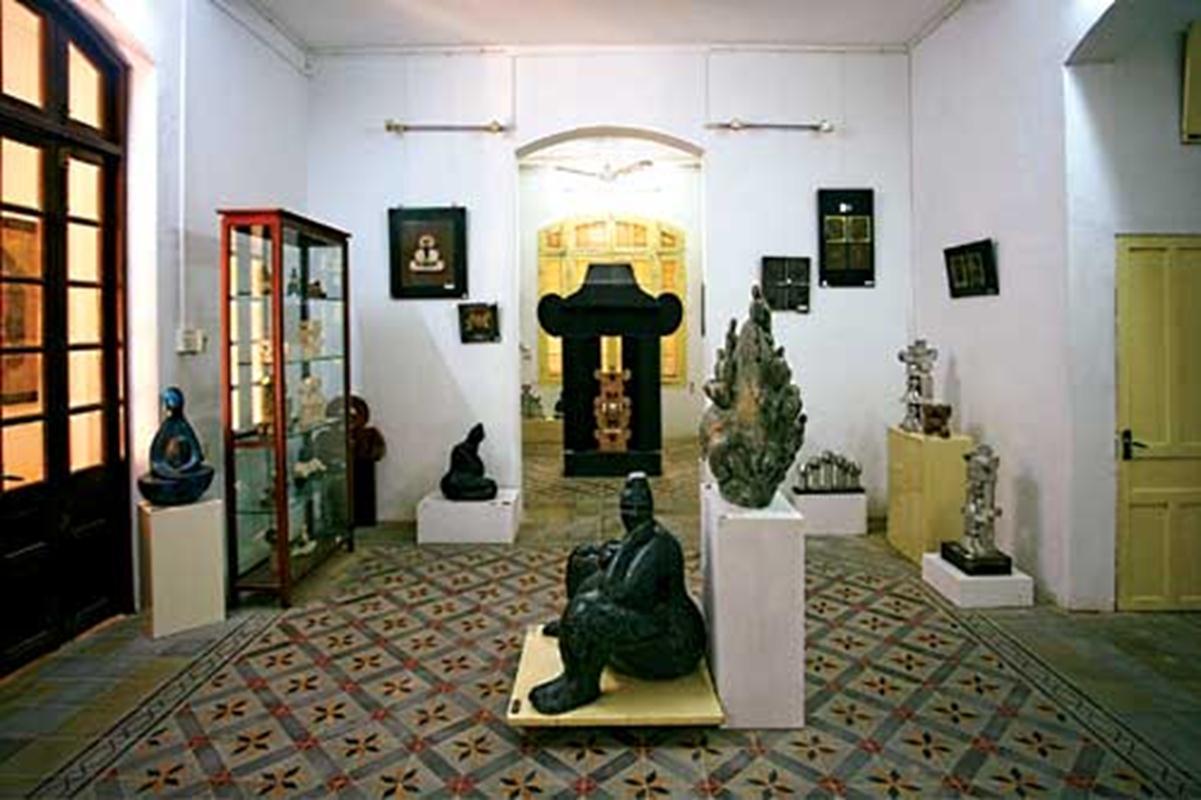 Không gian bên trong nhà trưng bày