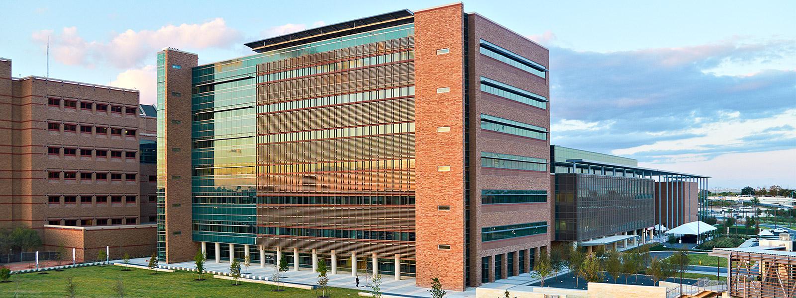 San-Antonio-Military-Medical-Center_Main-Image_0