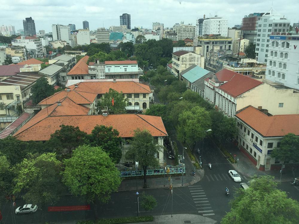 Một phần góc phố Đồng Khởi- Lý Tự Trọng chưa bị biến đổi.