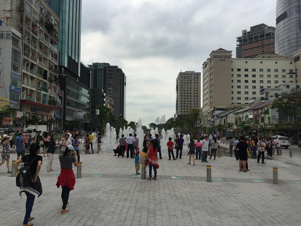 Đường Nguyễn Huệ mới thiếu những dấu nhấn văn hóa.
