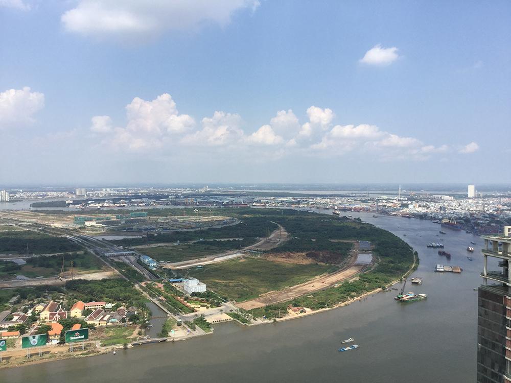 Bán đảo Thủ Thiêm - vùng đất hứa cho các cao ốc siêu hiện đại để xây nên thành phố mới, không chồng lấn với thành phố cũ.