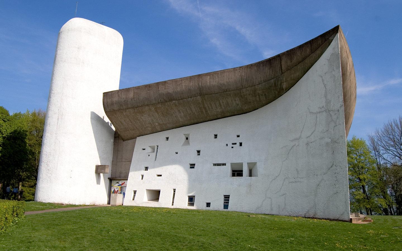 Nhà thờ Ronchamp của Le Corbusier