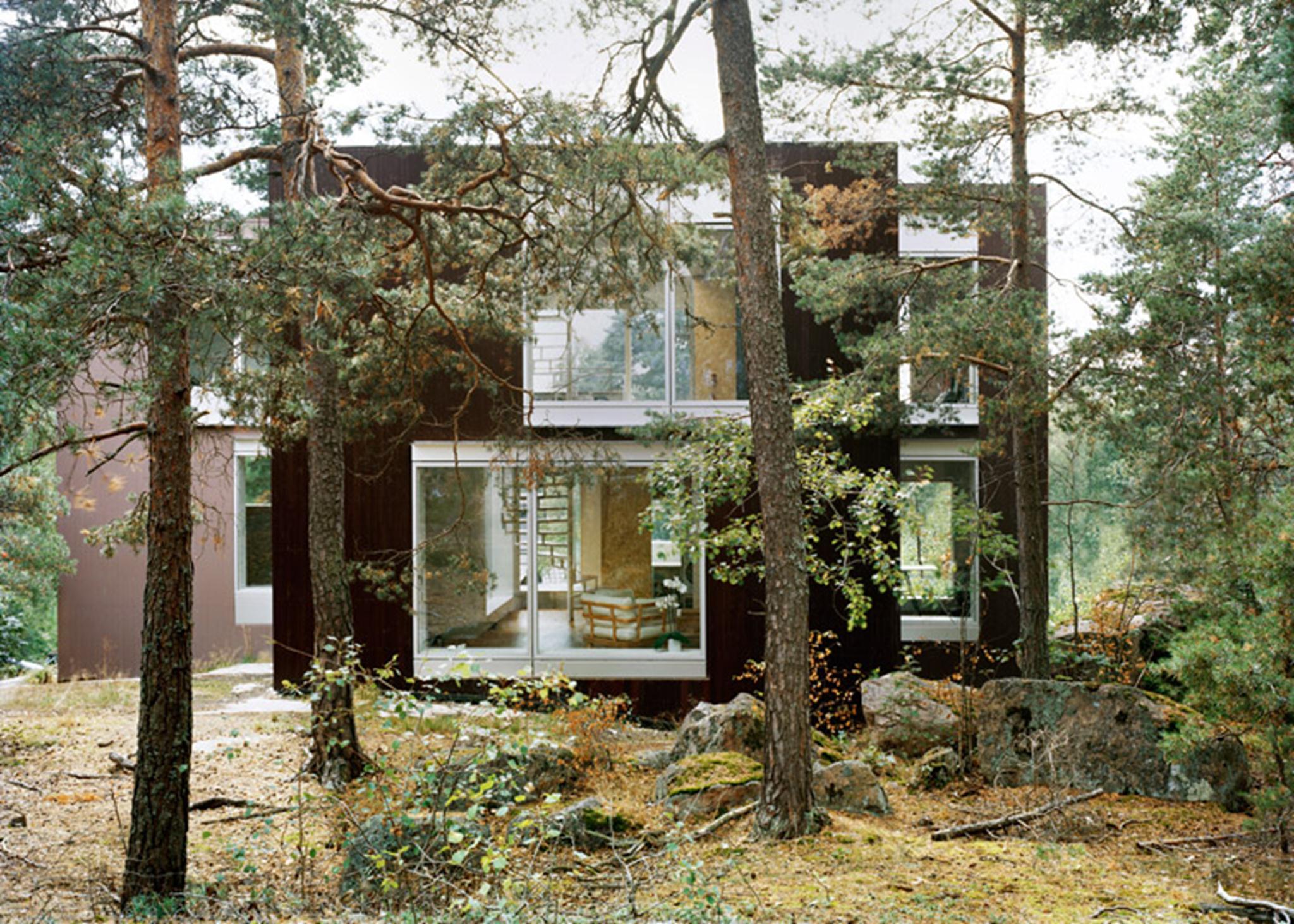 Villa-Altona-by-The-Common-Office_dezeen_784_4 (Copy)