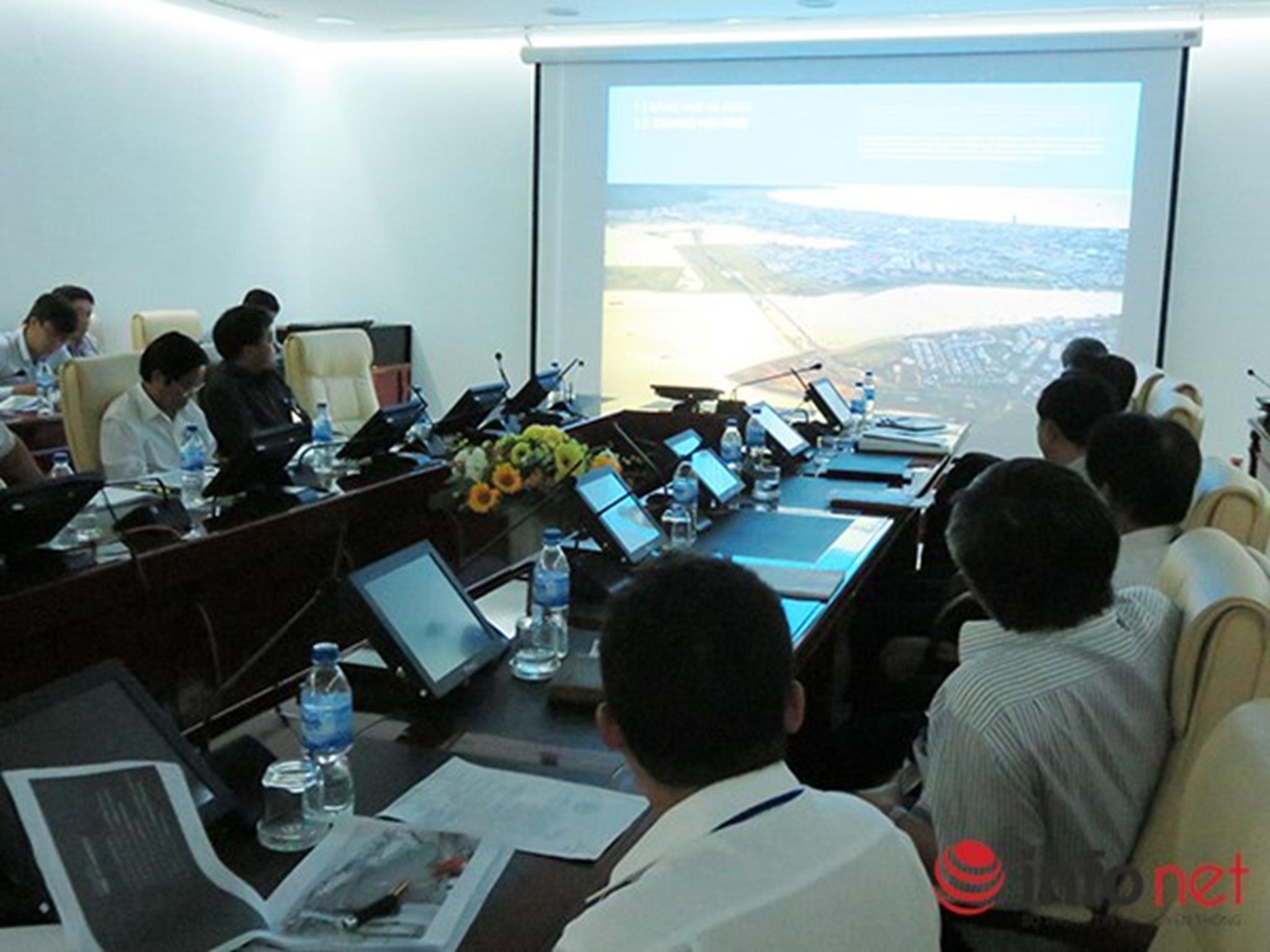 Lãnh đạo TP Đà Nẵng và các sở, ngành hữu quan…  Xem thêm tại : http://www.danang43.com/da-nang-lay-y-kien-gioi-chuyen-mon-va-nguoi-dan-ve-quy-hoach-song-han-p4451.html
