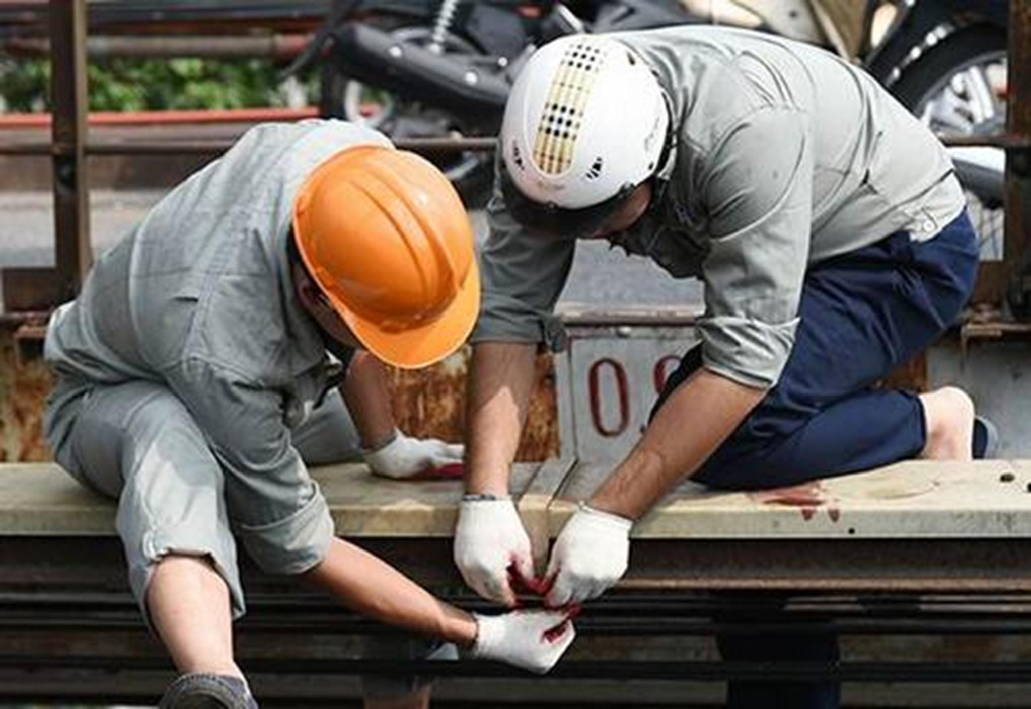 Là một công trình quan trọng của Thủ đô, cầu Long Biên sẽ được tu bổ, sửa chữa một cách kĩ càng, cẩn thận.