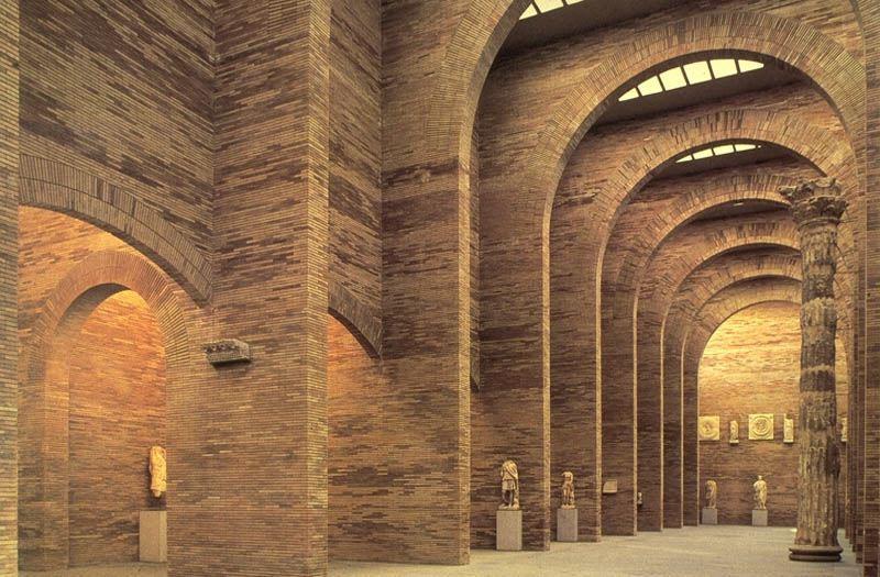 Gạch Rome và những khung vòm tạo nên vẻ đẹp cho công trình