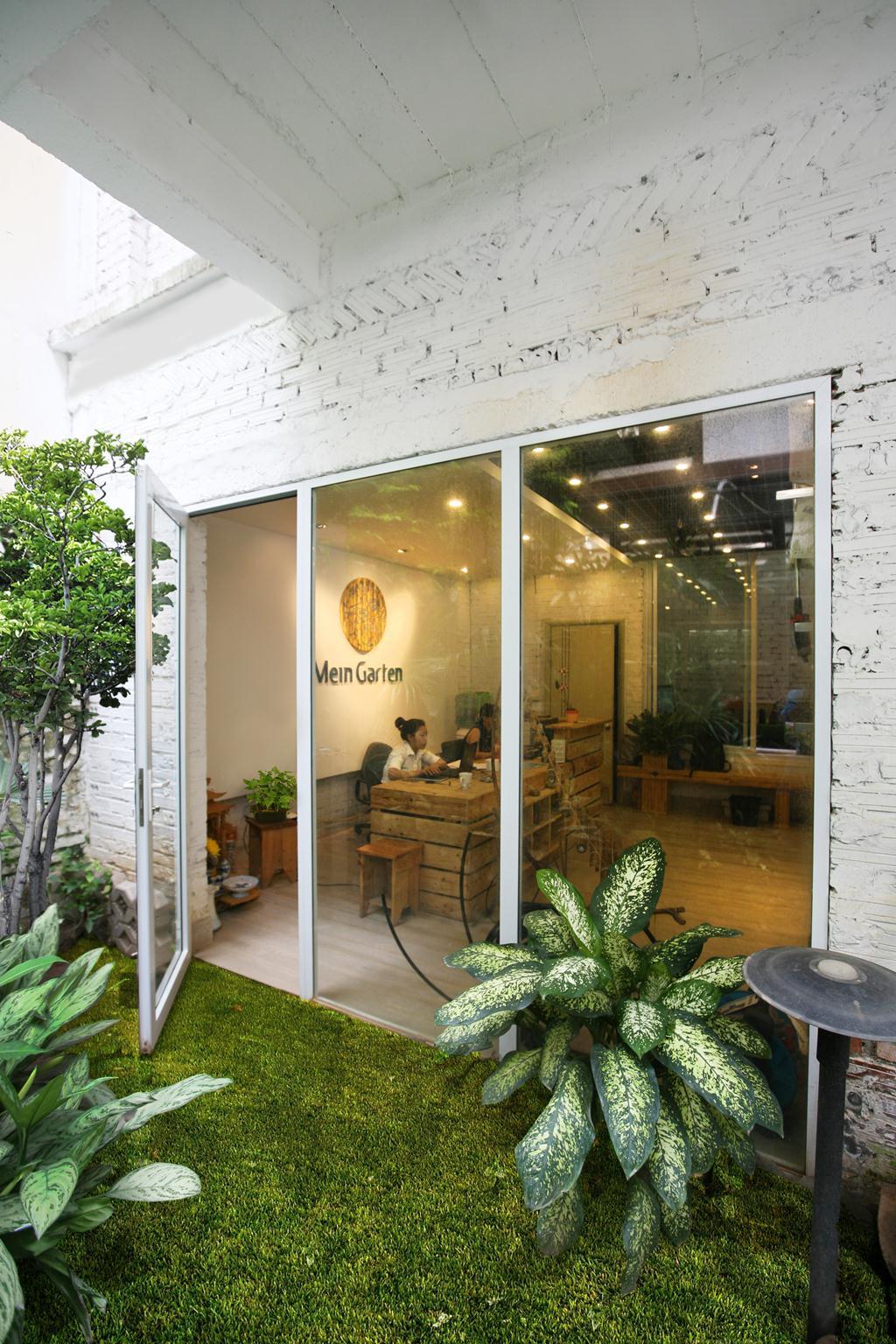 Gian trưng bày sản phẩm chăm sóc sân vườn Gardena. Ảnh © Vũ Xuân Sơn